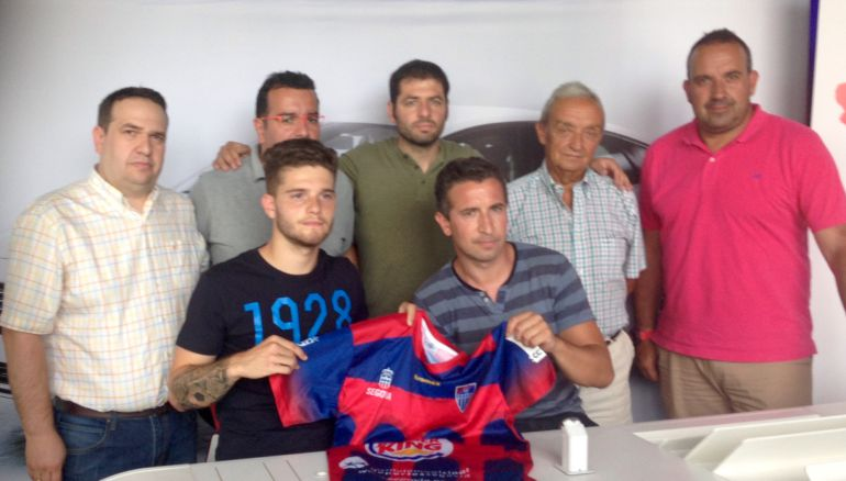 Miembros de la directiva gimnástica con Alberto Leira