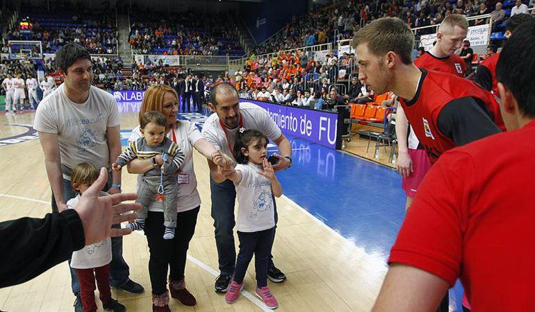 Durante el derbi ante el Real Madrid (2 de abril), el Pabellón Fernando Martín acogió diferentes actividades para concienciar sobre el autismo