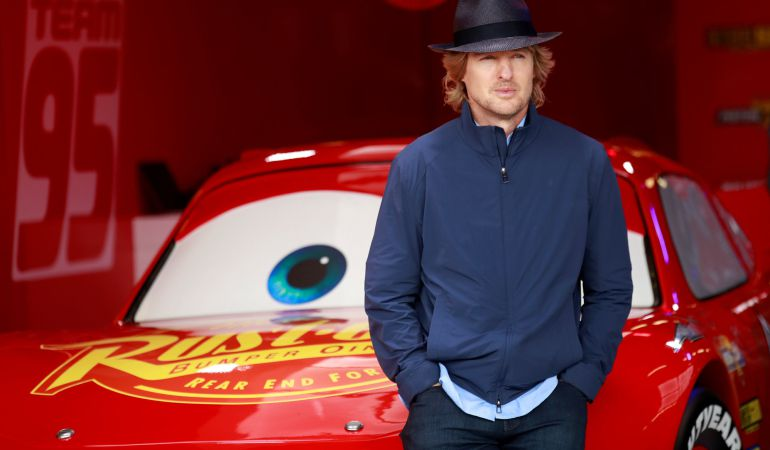 El Actor Owen Wilson promocionando Cars 3