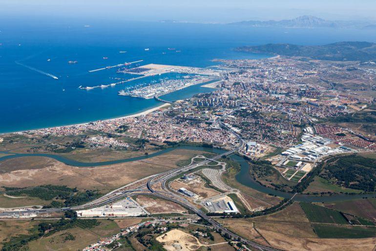 Vista aérea de Algeciras y su litoral.