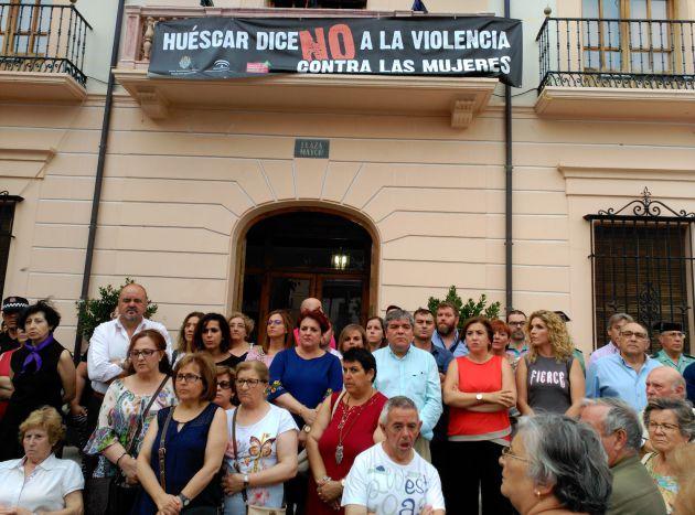 Concentración contra la violencia machista en las puertas del Ayuntamiento de Huéscar