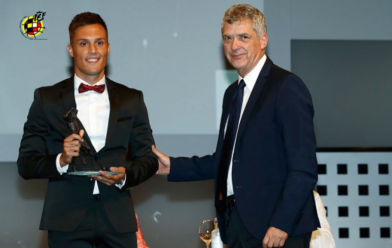 Gurdiel, en la recepción del premio al mejor gol de 2ªB