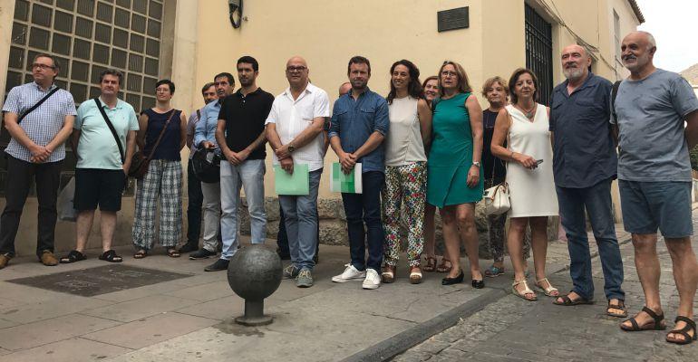 PSOE, JEC y miembros de asociaciones de Jaén piden una plaza para José Román