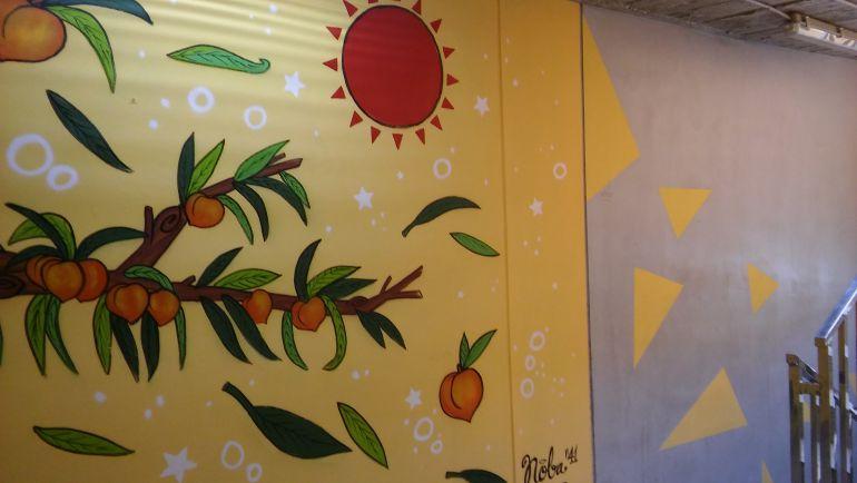 Motivos de la cuatro estaciones ya decoran las entradas al aparcamiento de la Gran Avenida de Elda