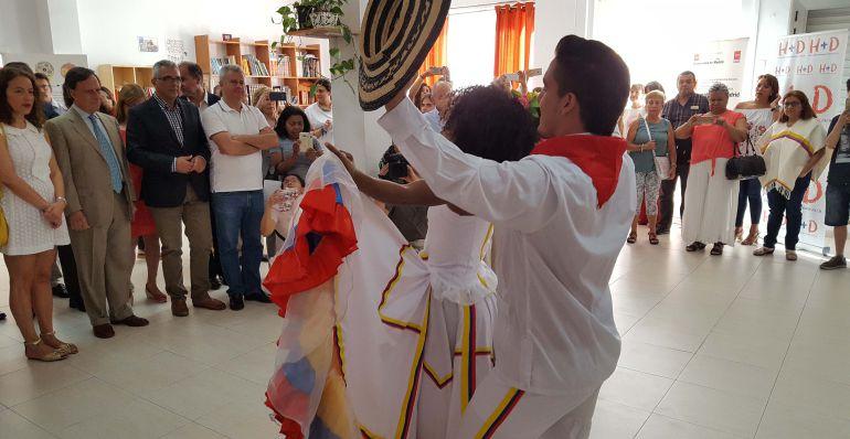 Carlos Izquierdo junto a los alcalde de Alcobendas y Sanse en la visita al CEPI