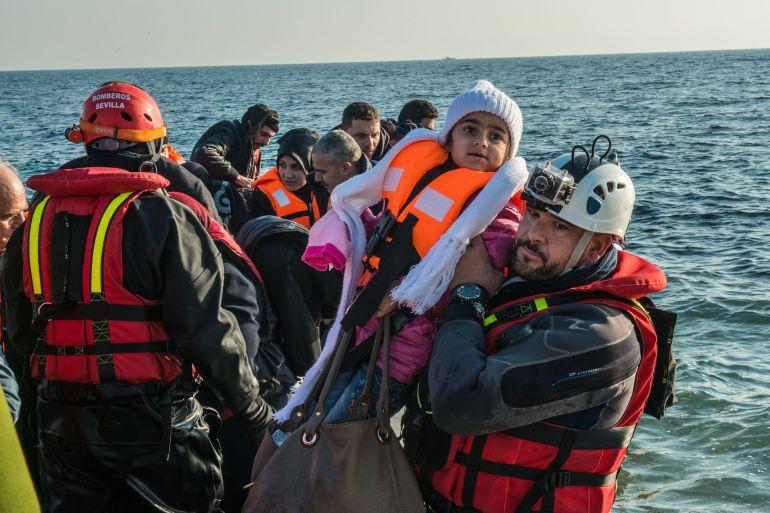 Bomberos andaluces en busca de barco