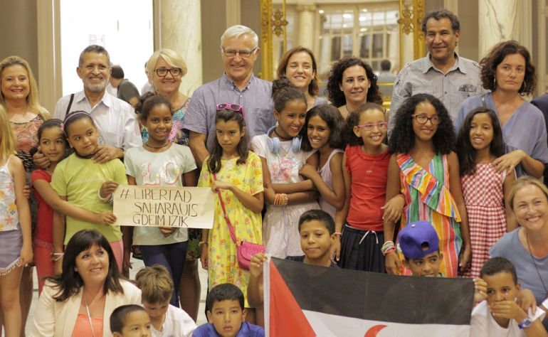 Resultado de imagen de niños saharauis llegan a Valencia