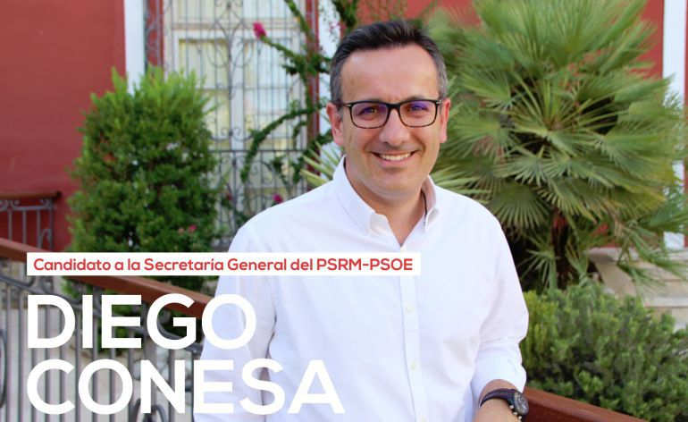 """Diego Conesa: """"En el PSOE lo que sobra son las mesas de camilla"""""""