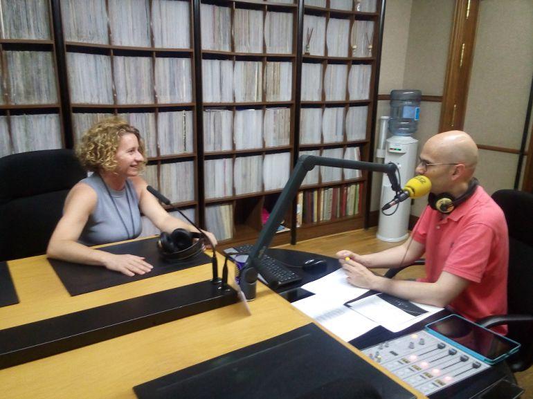 Susana Moreno, presidenta del Colegio Oficial de Arquitectos de Segovia en los estudios de Radio Segovia
