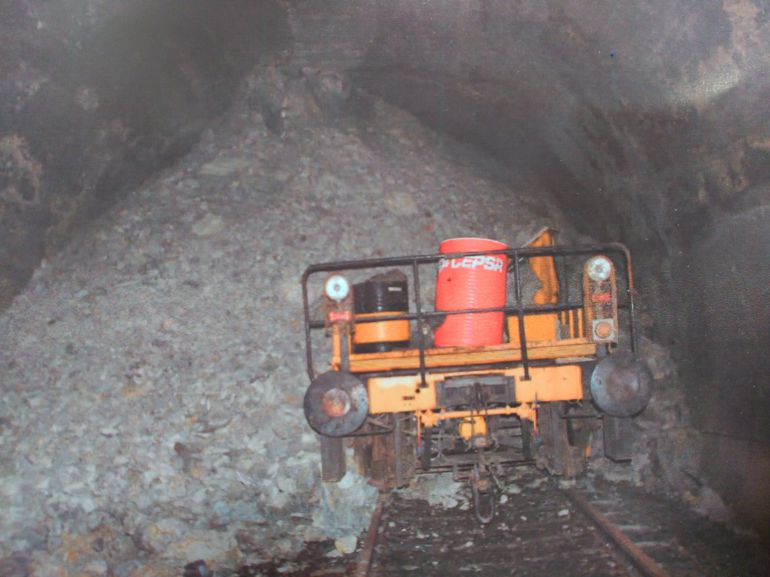 La línea 102 lleva sin servicio ni retauración desde el desprendimiento del túnel de Somosierra en 2011