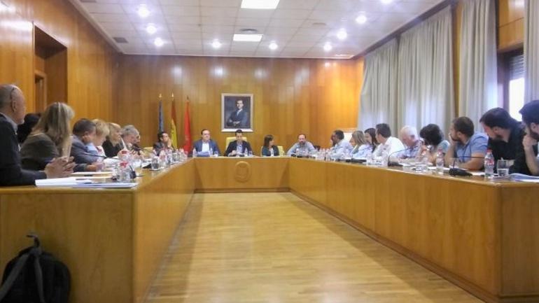 Imagen de un pleno en el Ayuntamiento de Elda