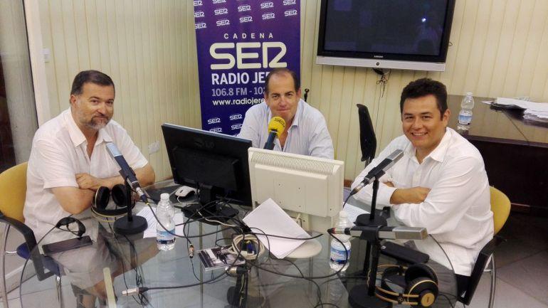 José Ignacio Casares, de Cuchara de Palo; Eugenio Camacho, director de Hoy por Hoy Jerez, y Lalo Plascencia, chef mexicano
