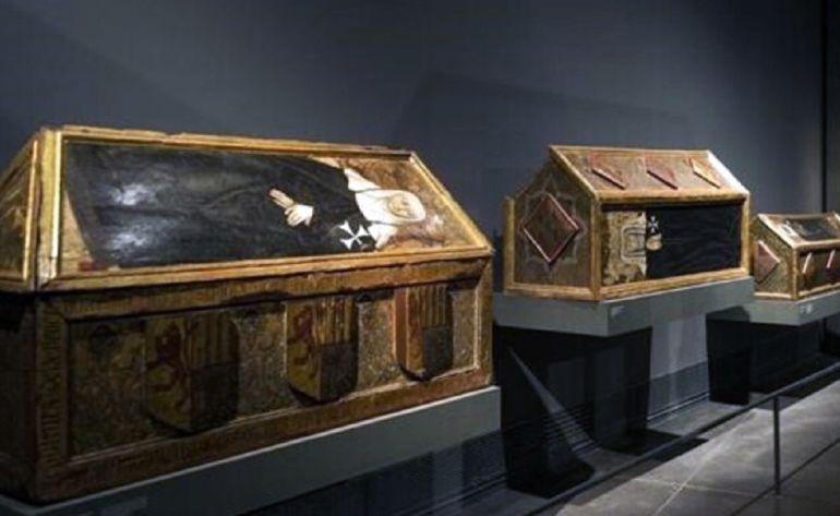 Los sarcófagos del siglo XV, expuestos en el Museo de Lérida