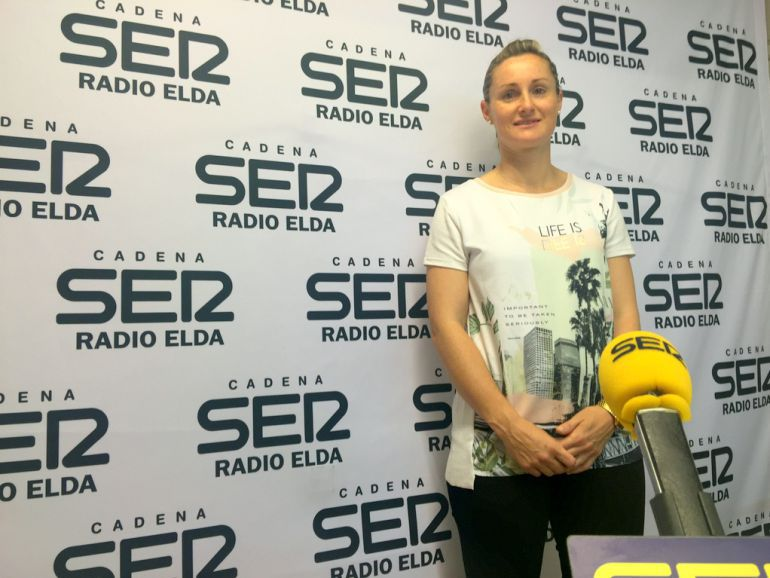 Vanesa Amorós en una visita a Radio Elda - Cadena SER