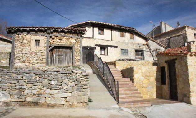 Casas típicas de La Cuenca, en Golmayo (Soria).