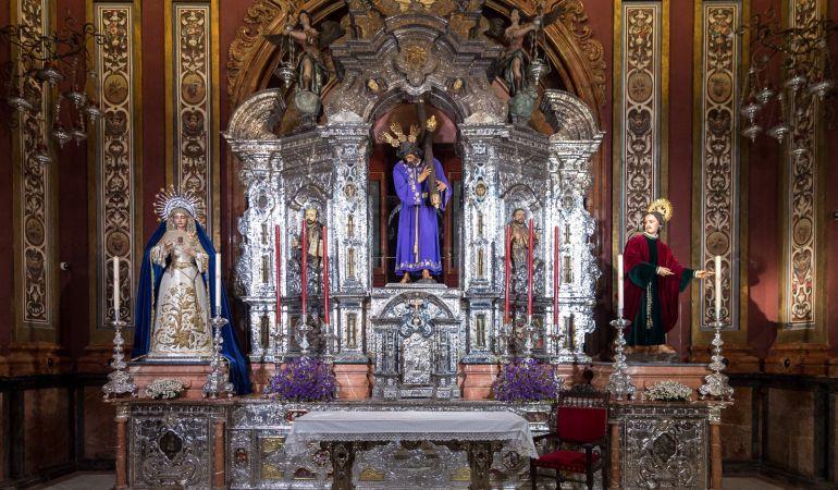 Así ha quedado tras la remodelación el altar de plata de la Capilla Sacramental de la Hermandad de Pasión