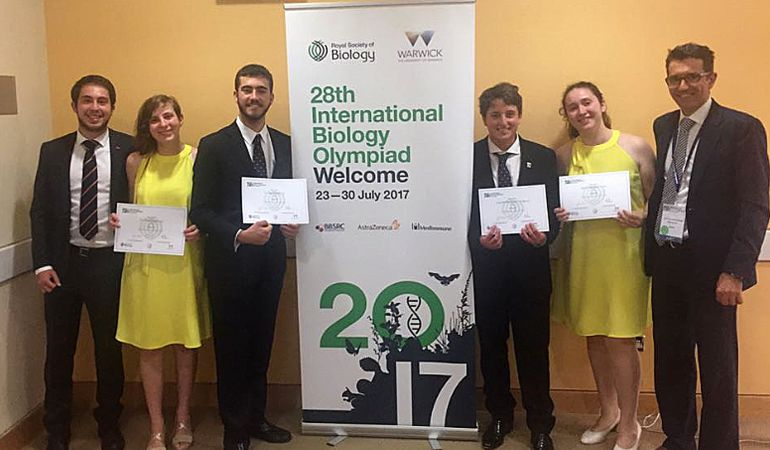 María Yesares (2ª por la derecha) junto a sus compañeros que representaron a España en la Olimpiada Internacional de Biología-