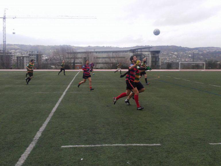 O Auriense, dentro do Fútbol Gélico Bota a andar na pretemporada, preparando una tempada la primera división galega, muy interesante, tanto na categoría masculina como na feminina