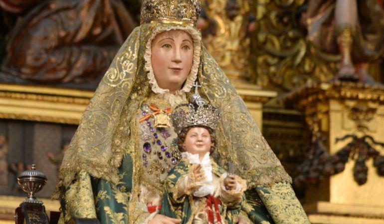 Salida procesional de la virgen de los reyes 2017 la for Mudanzas virgen de los reyes
