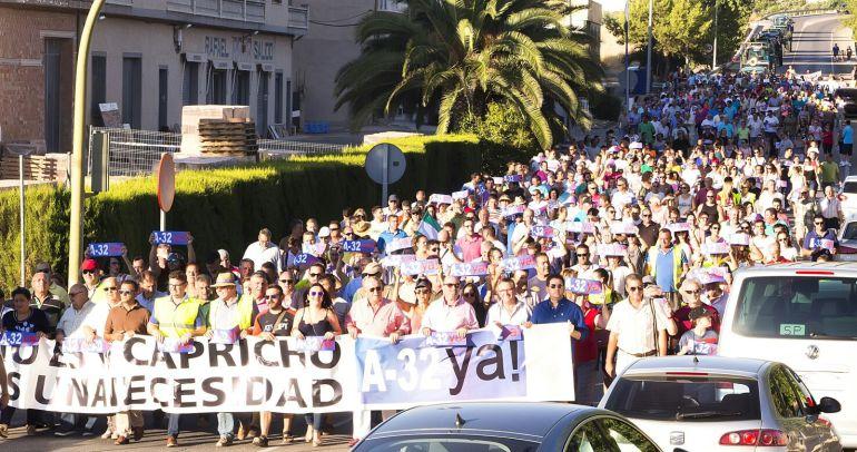 Ante la no autorización por parte de la subdelegación del Gobierno, se anuncia una rueda de prensa en el lugar donde tenia que comenzar la acción de protesta social.