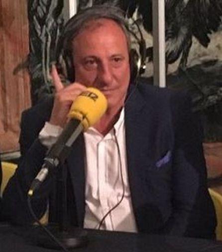 El ex-atleta Fermín Cacho colaborando en un programa de la Cadena SER