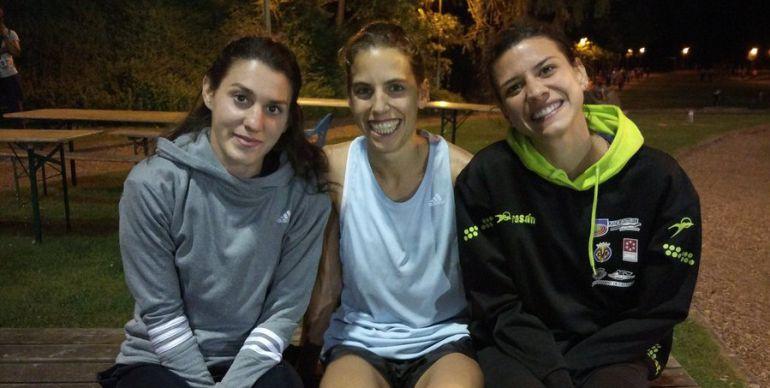 Pérez (i) y Sánchez Escribano (d) junto a la también atleta Marta Pérez
