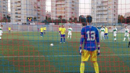 Pablo Calvo lanza el penalti del 1-0