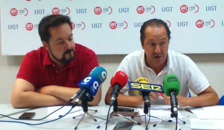 Rubén Arroyo, de Trato Ciudadano, y Francisco Muñoz, de UGT