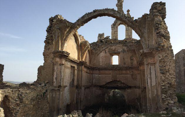 Ruinas de la iglesia de San Bartolomé.