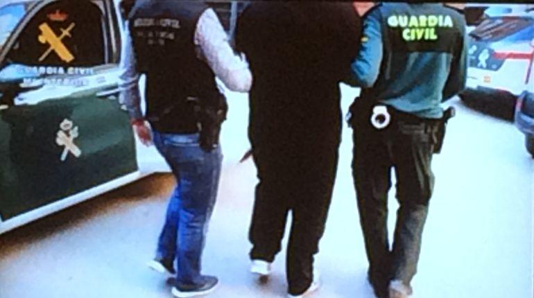 Una de las imágenes de las detenciones en esta operación