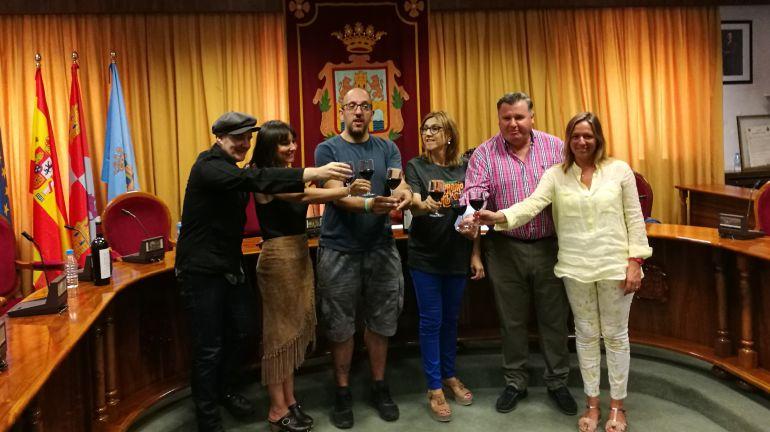 Amaral brinda con Ribera del Duero
