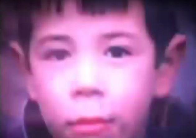 Fotograma de uno de los niños que filma Paul McCartney en su visita a Córdoba