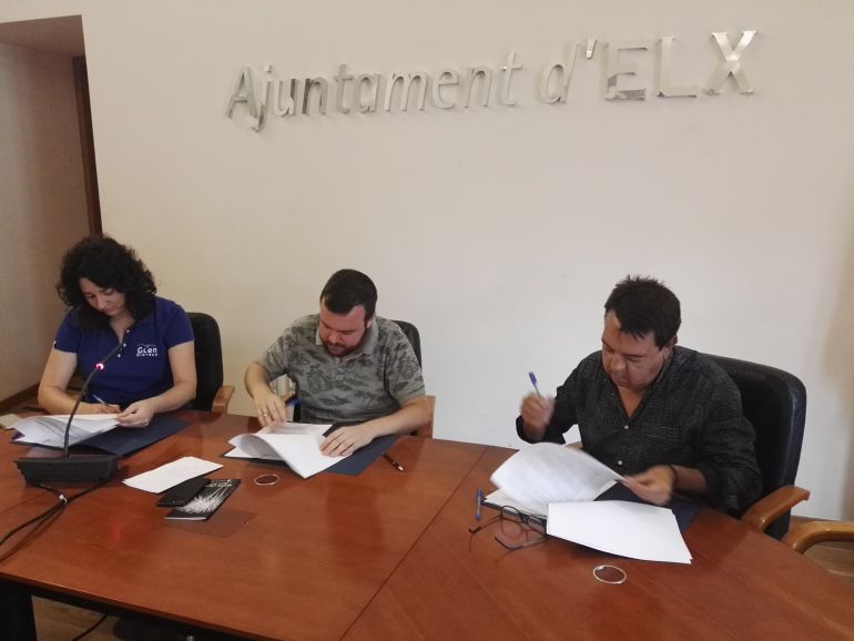 Firma del convenio entre el Ayuntamiento y Glenn Biotech