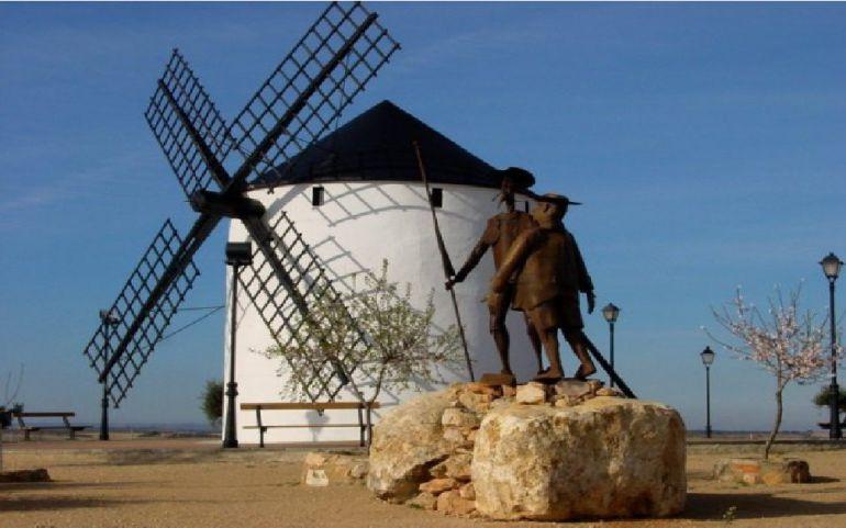 Este sábado 12 comienzan las Fiestas de Barrax con su tradicional 'Toro de Fuego'