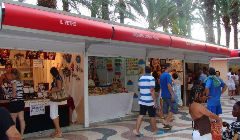 La Feria del Comercio de Alicante se trasladó desde la zona del puerto al Paseo Federico Soto.