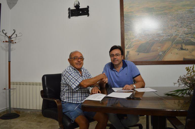 La Asociación de Amigos de los Molinos firma convenio de colaboración con el Ayuntamiento moteño