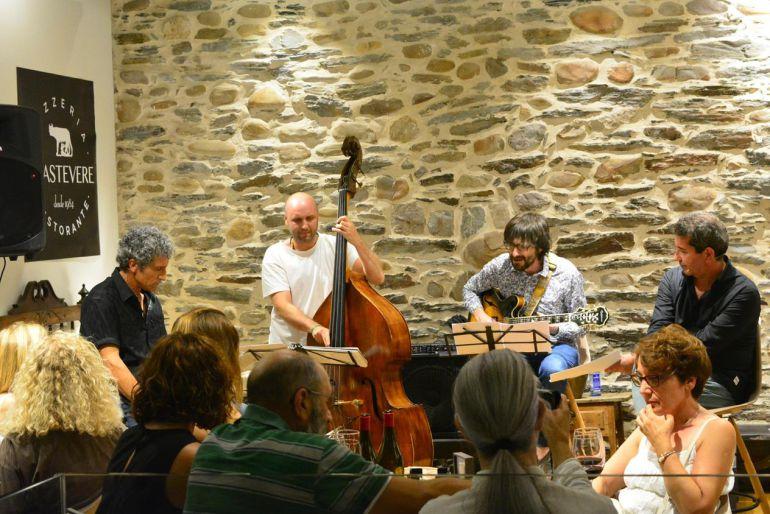 Ponferrada es Jazz se estrena con tres conciertos en la Plaza del Ayuntamiento