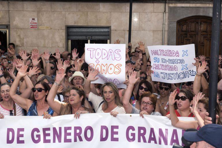 Foto de archivo de una de las concentraciones en apoyo de Juana Rivas