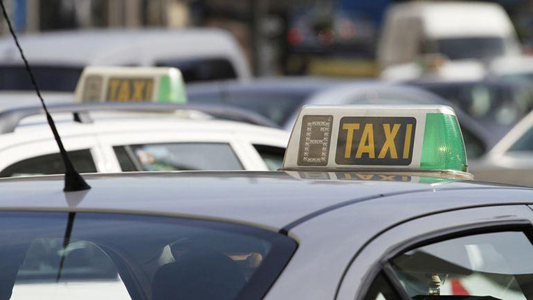 La ordenanza del taxi aprobada por Botella afecta a derechos fundamentales