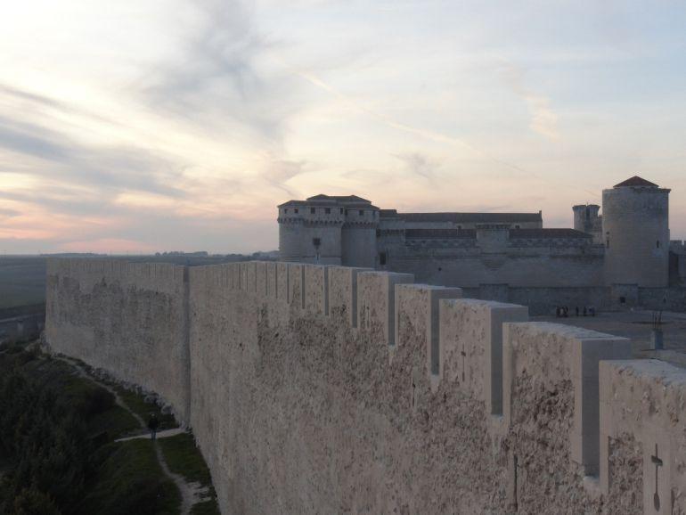 Tramo de muralla ejecutado en la primera fase de restauración