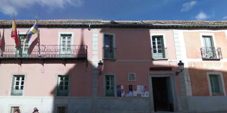 Imagen de la fachada de la casa consistorial de la Granja de San Ildefonso