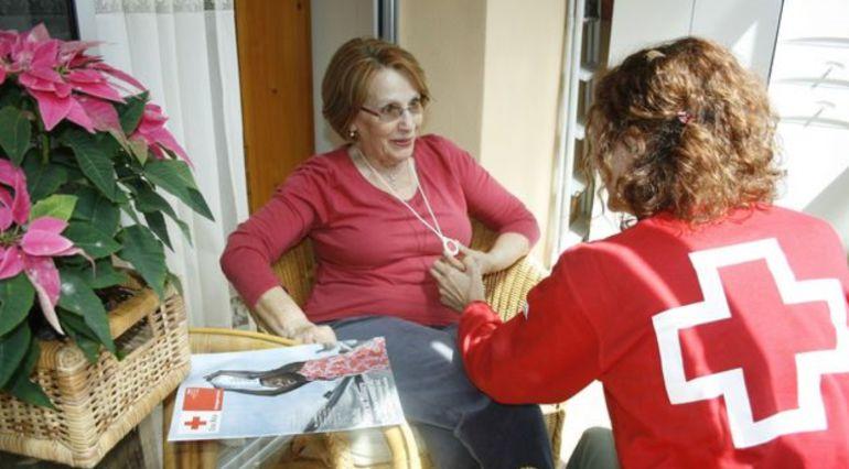 Cruz Roja atiende cada vez a más mayores en la región