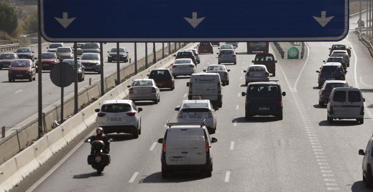 Tráfico intenso en una autovía