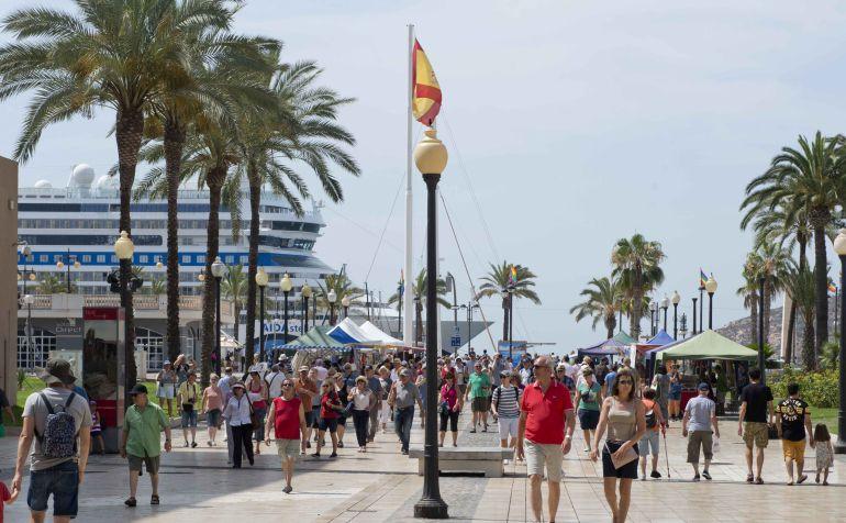 Cartagena recibe casi 100.000 cruceristas en el primer semestre de 2017