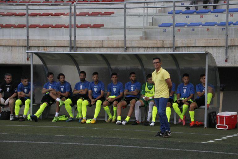 Dani Ponz, entrenador del Eldense, seguirá haciendo pruebas