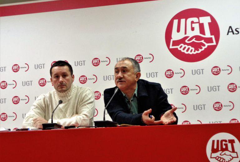 El secretario general de UGT, Pepe Álvarez, en una rueda de prensa en Asturias.