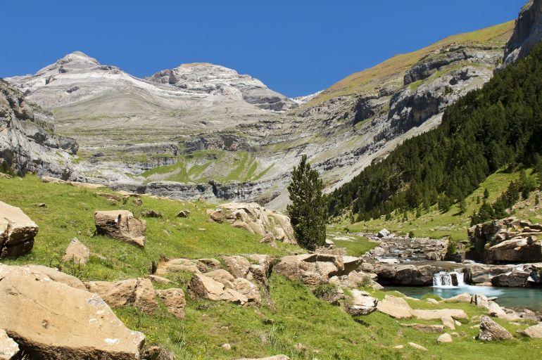 El Pirineo, sigue siendo un centro de atracción de turistas