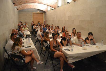 El público asiste atento y divertido a las catas didácticas de Sonorama Ribera