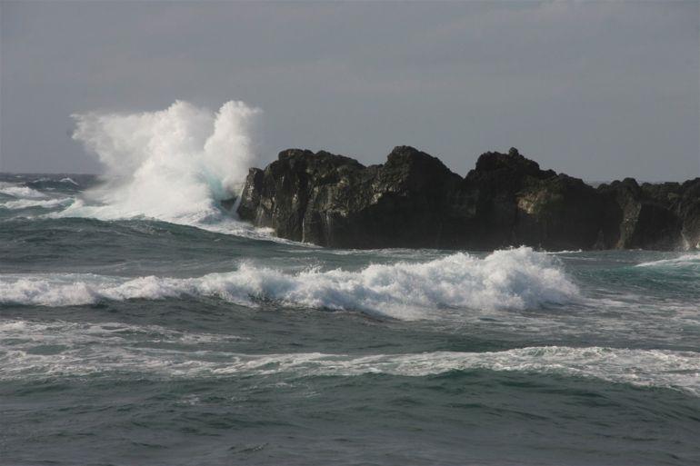 Aviso amarillo por oleaje y vientos fuertes en Canarias