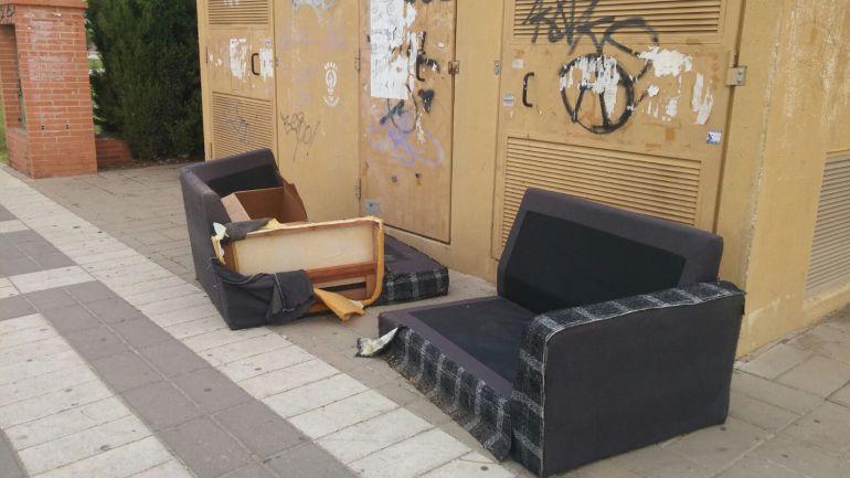 recogida de muebles las dudas tras el cambio en la